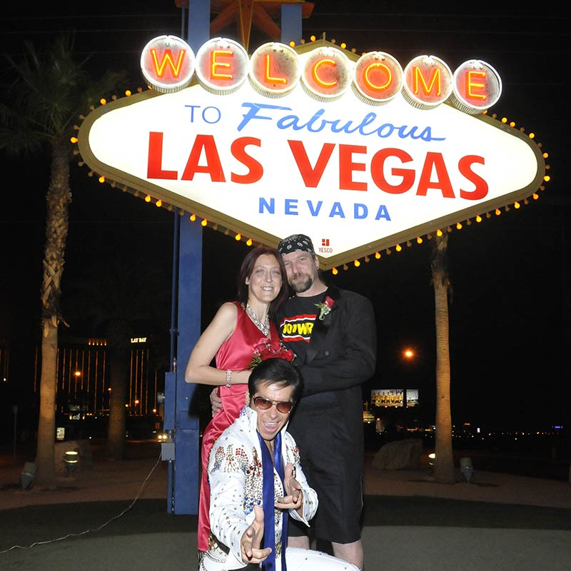 Elivs Las Vegas Sign Wedding