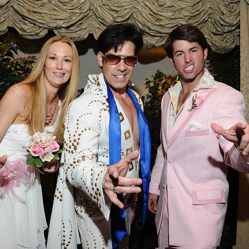 Vegas Wedding Packages.Visions From The King Las Vegas Wedding Package